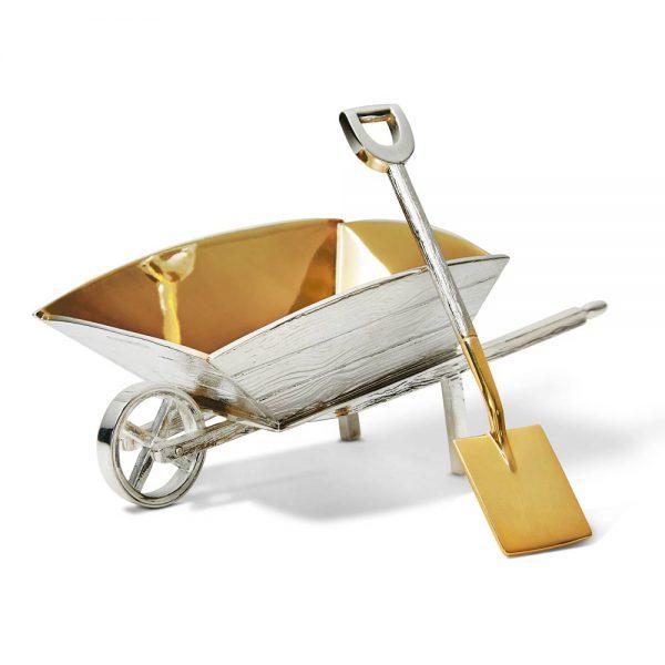 Wheelbarrow and shovel - T192